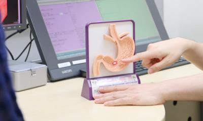 「苦しくなく痛みに配慮した胃内視鏡検査」と「経⿐内視鏡検査」は何が違うの︖
