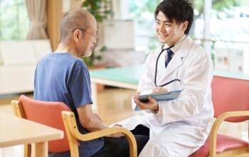 胃カメラ検査では鎮静剤を使用した方が良いの?メリットと気になる副作用について